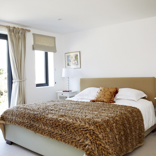 Bedroom with gold accents   Bedroom accessories   Quilts ...