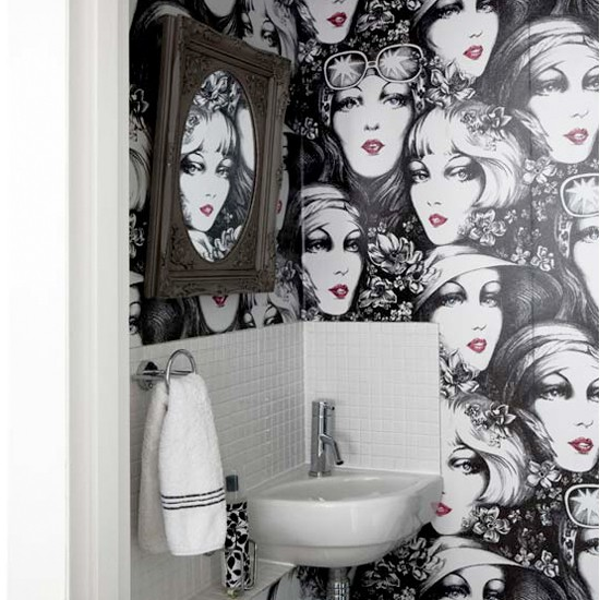 Quirky wallpaper bathroom | Monochrome room ideas ...