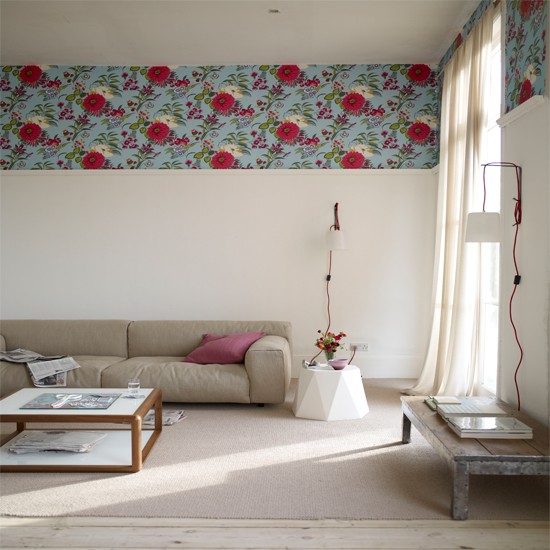 Living Room With Wallpaper Border
