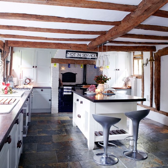 Big Questions For Small Country Kitchens: Kitchen Islands