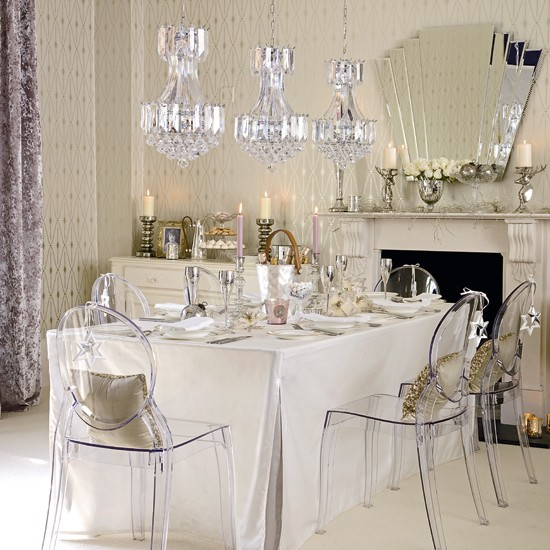 Chic Dining Room Chandeliers: Glamorous Dining Room
