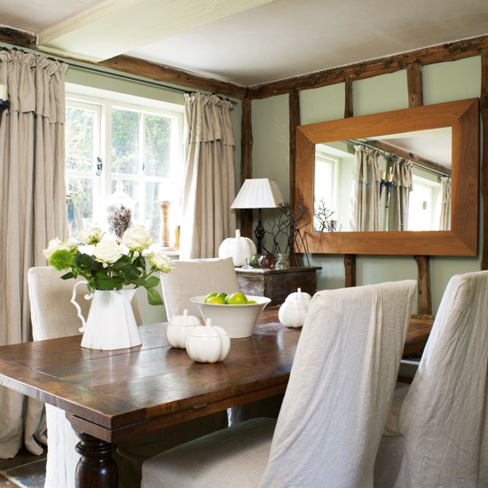 Cottage Dining Rooms: Rustic Family Cottage