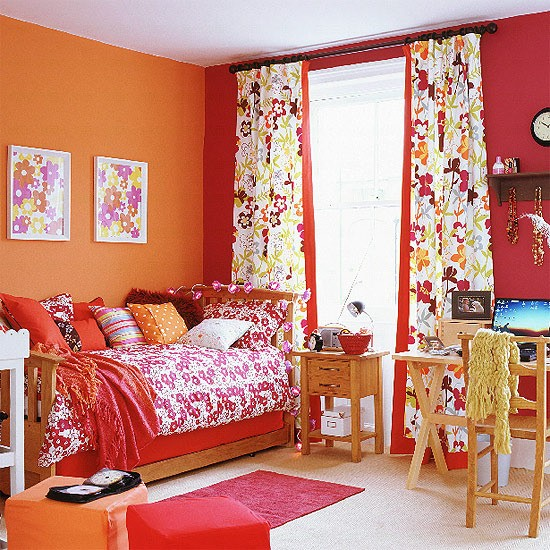 Orange Kids Room: Colourful Children's Bedroom