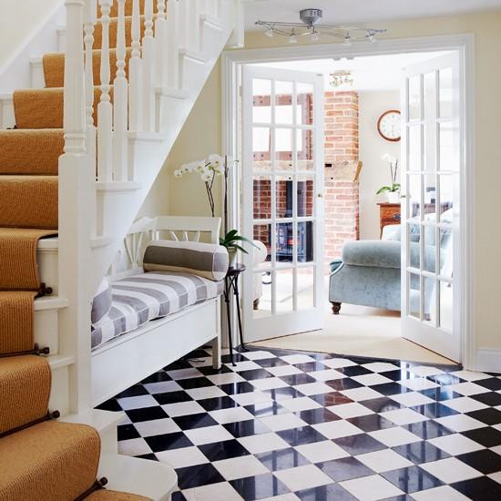 Black and white checks   Flooring ideas for hallways - 10 of the ... - Deco Ideas Stylish Hallways
