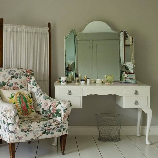 Period-style Dressing Room
