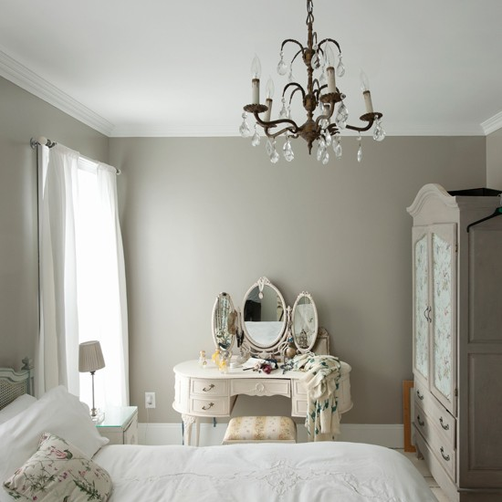 Romantic bedroom | Bedroom decorating idea | housetohome.co.uk