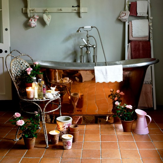 French Country Bathroom Flooring: Rustic-style Bathroom Flooring