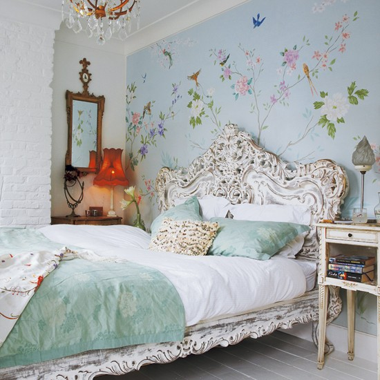 Victorian Bedroom: Take A Tour Around An Eclectic