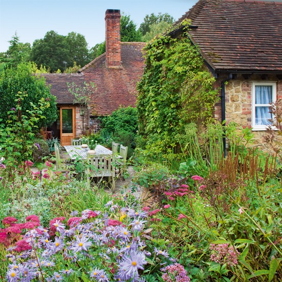 Still Waters--Notes From A Virginia Shire: Cottage Gardens