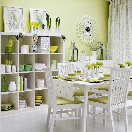 Zingy Green Dining Room