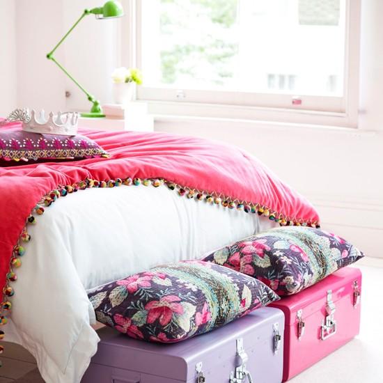 Teenage Rooms: Pretty In Pink Bedroom Storage