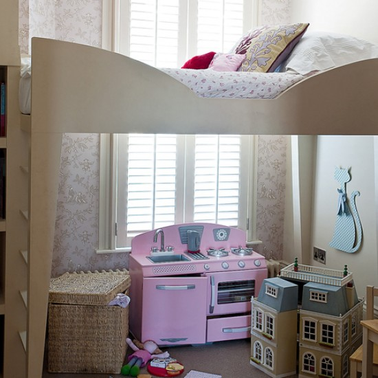 Are Cabin Beds The Solution For Small Bedrooms: Child's Bedroom With Cabin Bed