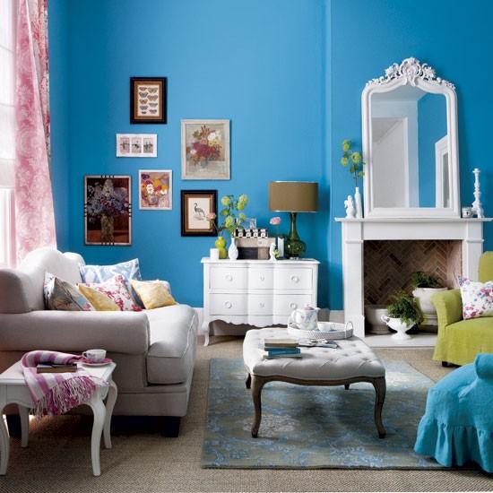 Blue Living Room: Bold Blue Living Room