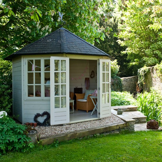 20 Summer House Design Ideas: Country Garden With Summerhouse