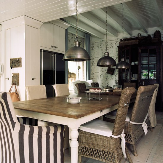Colonial Dining Room: Step Inside A Colonial-style Dutch House