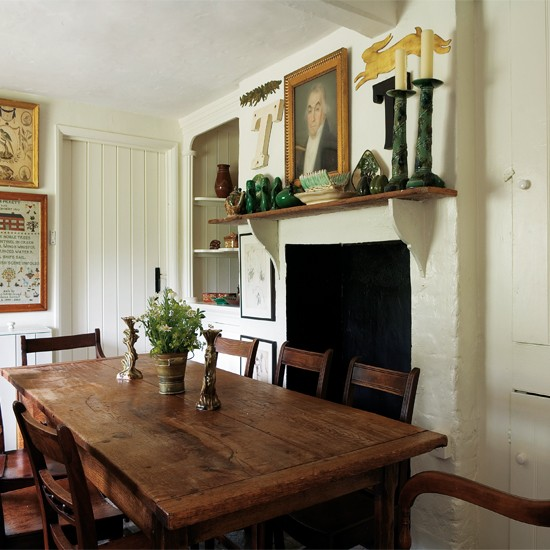 Comfortable Dining Room: Comfortable Country Retreat House Tour