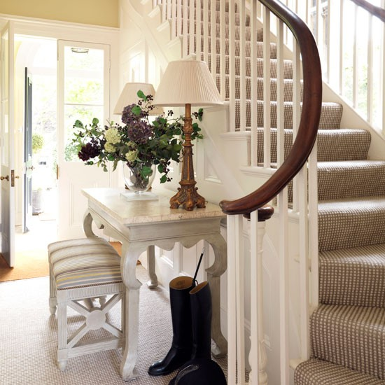 Beautiful Front Hall And Staircase: Schody-proszę O Pomoc