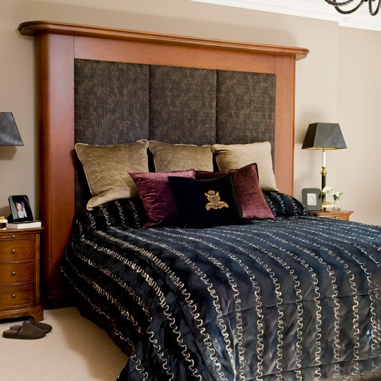 10 Great Ideas To Jazz Up A Small Square Bedroom: Glamorous Bedroom Decorating Ideas