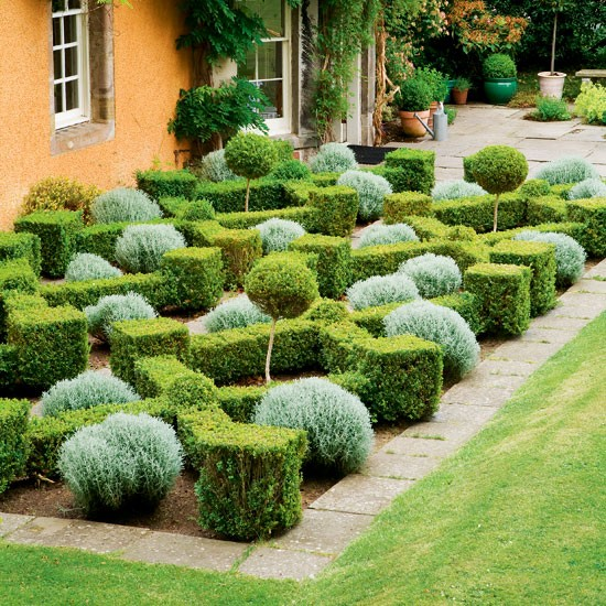 Formal Garden Design Idea