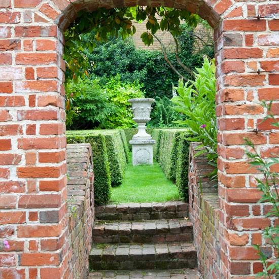 Thin Garden Design: Make The Most Of A Narrow Plot