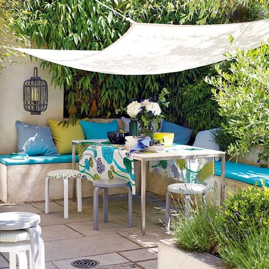 Relaxed Garden Summer House