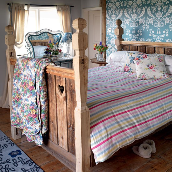 Country Bedrooms: Create A Rustic Bedroom Retreat