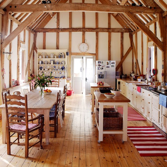 Country Home Interiors: Country Homes & Interiors Takes A Tour Round This Cosy