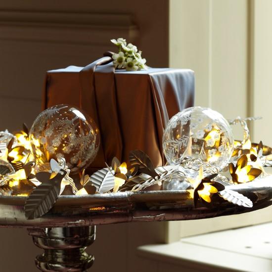 create a christmas lighting centrepiece christmas lights. Black Bedroom Furniture Sets. Home Design Ideas