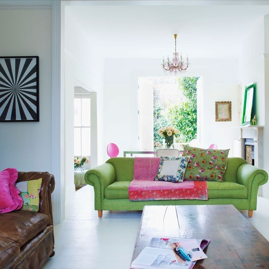 Beautiful Gorgeous Modern Garden Concept Idea With Bright: Living Room With White Backdrop