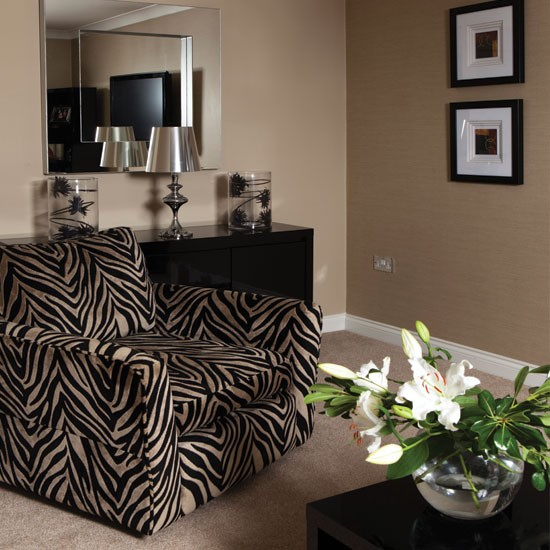 Animal Print Decor: Bold Zebra-print Living Room