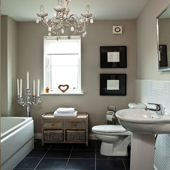 Shabby Chic Bathrooms: Chic White Bathroom