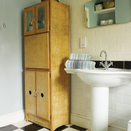 50s Bathroom Design Ideas: 50s-style Bathroom Storage