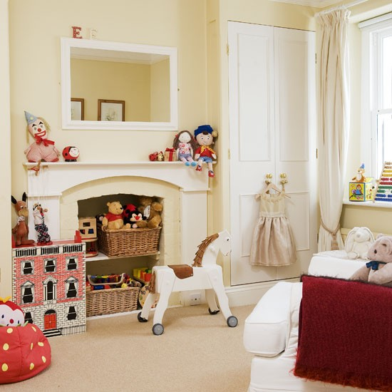Bedrooms With Traditional Elegance: Elegant Bedroom With Traditional Toys