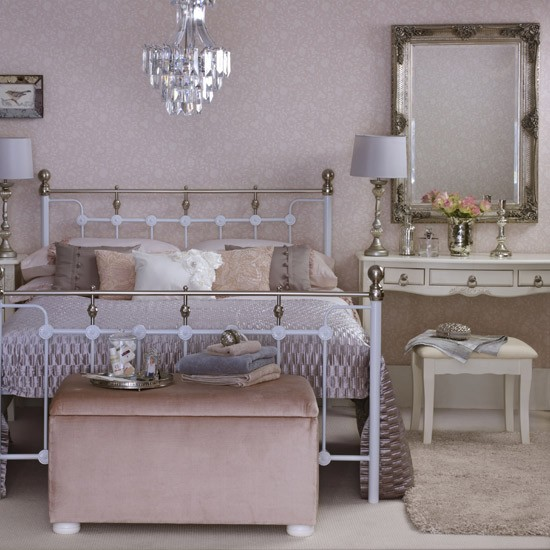 Position Mirrors Carefully Feng Shui Bedrooms