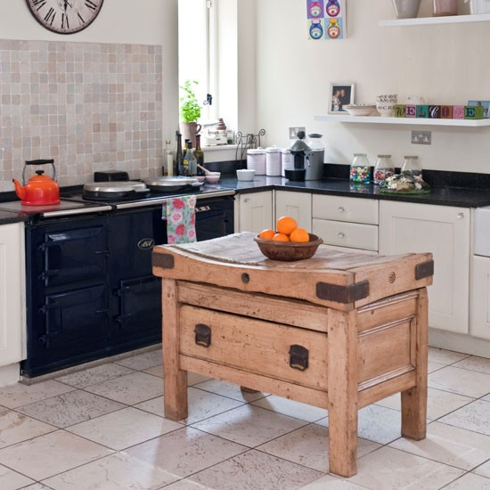 Bring in a butcher?s block Country kitchen storage ideas housetohome.co.uk