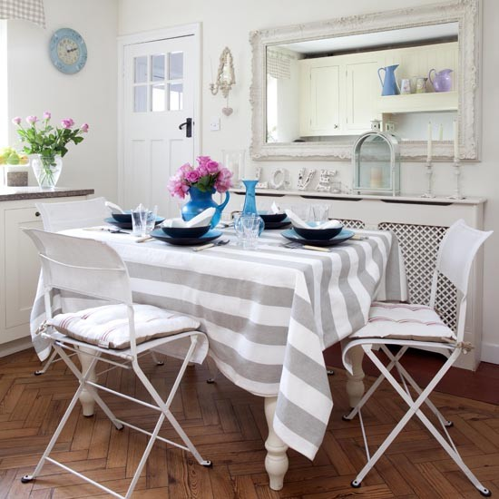 Dining Area In Kitchen: Detached House In Surrey