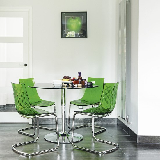 Green Dining Room: Modern Dining Room With Green Accessories