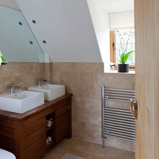 En Suite Bathrooms For Small: Step Inside This Arts And Crafts