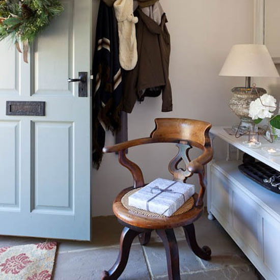 Small Entrance Hall: Step Inside This Arts And Crafts-inspired