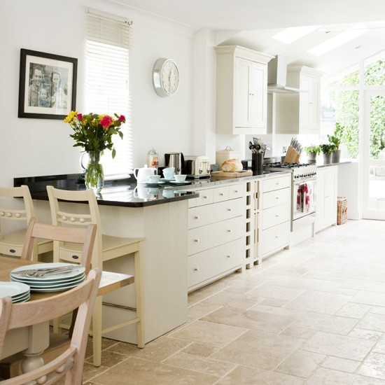 Country Kitchen White Cabinets: Country Kitchen Ideas
