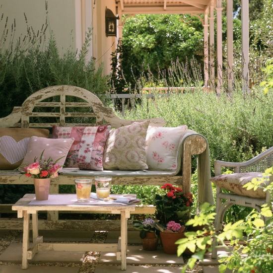 Country Homes And Gardens Magazine: Housetohome.co.uk