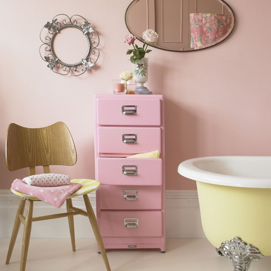 pastel pink bathroom with yellow freestanding bath colourful bathroom ideas 10 of the best. Black Bedroom Furniture Sets. Home Design Ideas