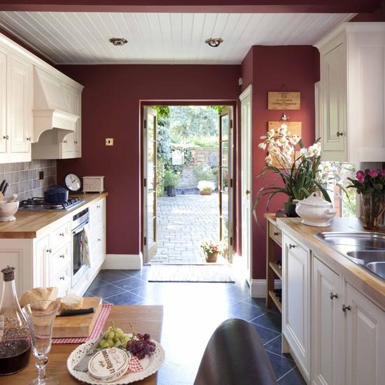 Cream Kitchen Ideas That Will Stand: Traditional Kitchen Ideas