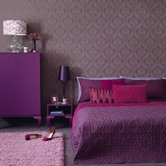 Purple Bedroom Ideas: Modern Purple Bedroom With Chest Of Drawers And Lilac Rug