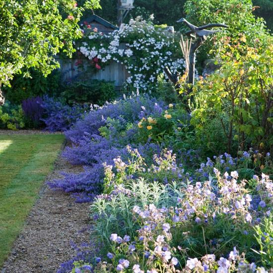 mauve and purple scheme spacious wiltshire garden tour. Black Bedroom Furniture Sets. Home Design Ideas