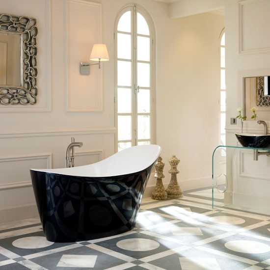 En-suite Bathroom With Statement Pieces