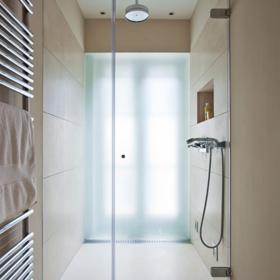 Small Ensuite Bathroom Tile Ideas: Space-saving Bathroom With Large-format Tiles