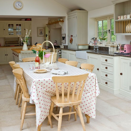 Simple Home Interiors: Country Kitchens For Summer