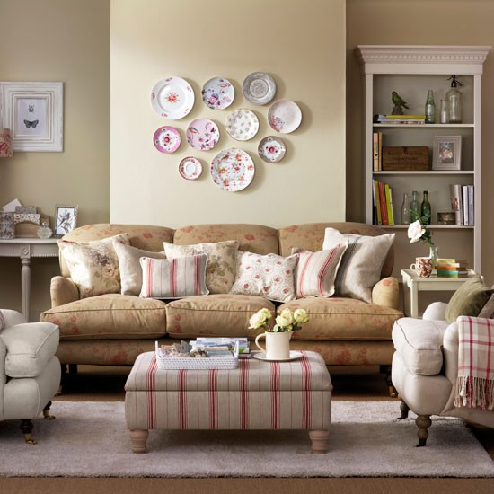 Faded floral living room | Country living room designs ...