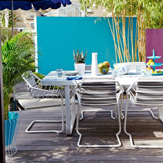 Wonderful Outdoor Dining Area Design And Decorating Ideas: Brighten An Outdoor Dining Area